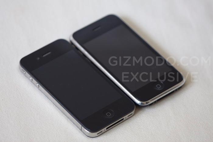 Modellen till vänster tros vara Apple nya Iphone, till höger en Iphone 3GS. Foto från Gizmodo.com.