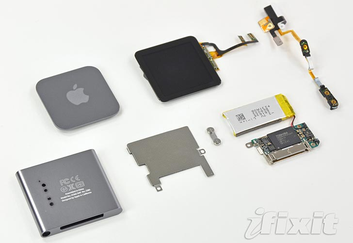 Sjätte generationen av Ipod Nano i sina beståndsdelar. Foto: Ifixit.com
